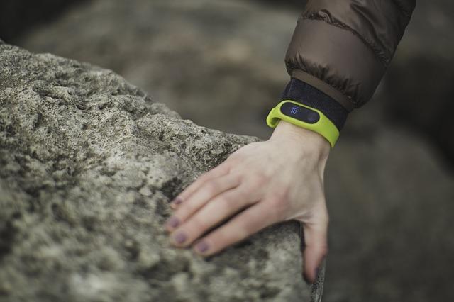 ruka na kameni